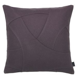 By Lassen Flow Tyyny Plum 50x50 Cm