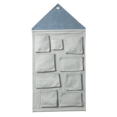 Ferm Living House Seinälokerikko Dusty Blue Vaaleansininen