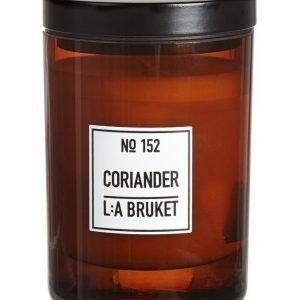 L:A Bruket No 152 Coriander Tuoksukynttilä