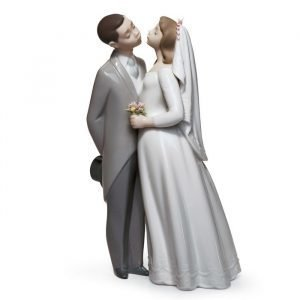 Lladro A Kiss To Remember Gres