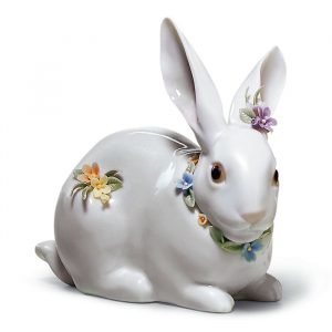 Lladro Attentive Bunny With Flowers