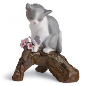 Lladro Blossoms For The Kitten
