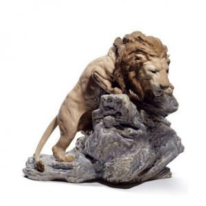 Lladro Lion Pouncing