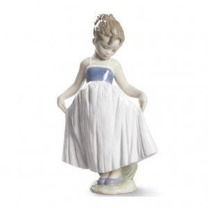 Lladro Look At My Dress
