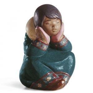 Lladro Pensive Eskimo Girl Gres