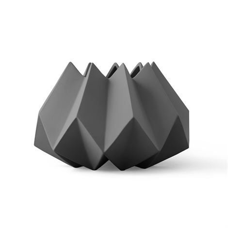 Menu Folded Maljakko Carbon Tummanharmaa