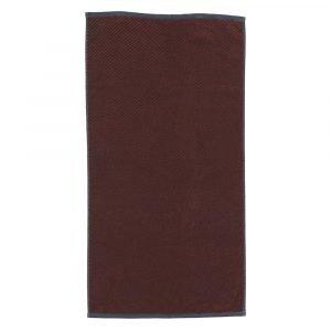 Mette Ditmer Diagonal Pyyheliina Viininpunainen 70x135 Cm