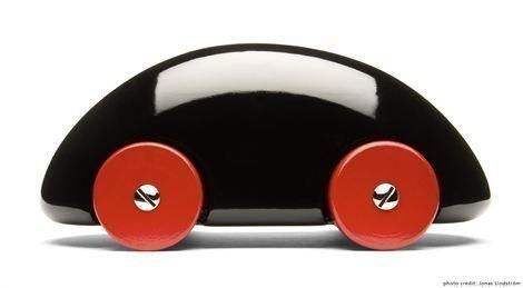 Playsam Streamliner Musta Musta